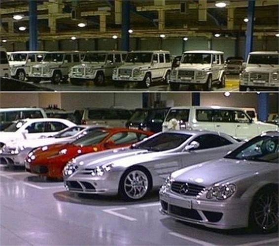 Quốc vương có tổng tài sản lên tới 20 tỷ USD này là một người đam mê xe cuồng nhiệt. Bộ sưu tập của Quốc vương Brunei có tới hàng trăm chiếc Bentley và Ferrari, 200 chiếc BMW, Jaguar, Porche và Roll-Royce mỗi loại, chưa kể tới hàng tá xe Lamborghini.