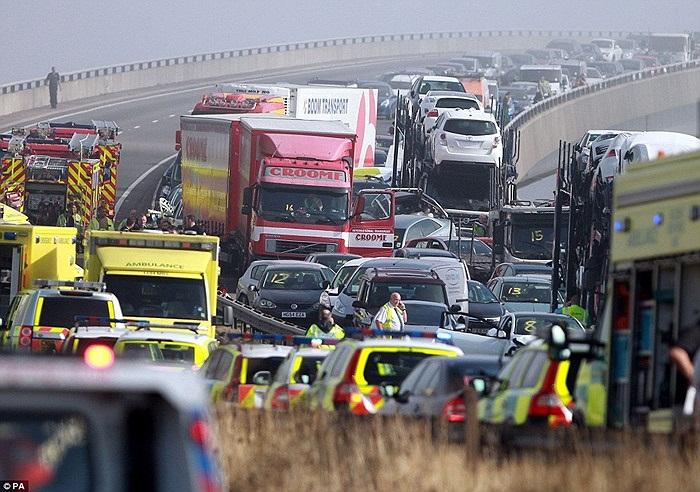 Đây là cây cầu vượt giao lộ A249 - Sheppey đoạn chạy qua hạt Kent, phía Đông Nam nước Anh.