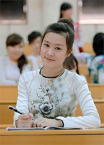 Nguyễn Thị Quỳnh, Đại học Vinh.