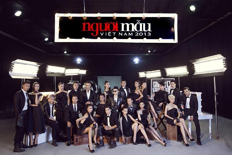 Hiện tại, 18 thí sinh đã chính thức bước vào Ngôi nhà chung và bắt đầu trải qua những thử thách đầu tiên của chương trình. Chương trình Vietnam's Next Top Model 2013 sẽ được chính thức lên sóng truyền hình vào 20h Chủ nhật hàng tuần từ ngày 6/10.