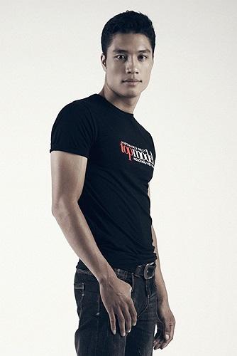 Là một 'lính mới' hoàn toàn đối với lĩnh vực thời trang. Với niềm yêu thích thời trang nên Trần Mạnh Kiên quyết tâm tham gia Vietnam's Next Top Model 2013 để tìm cơ hội bắt đầu sự nghiệp người mẫu của mình.