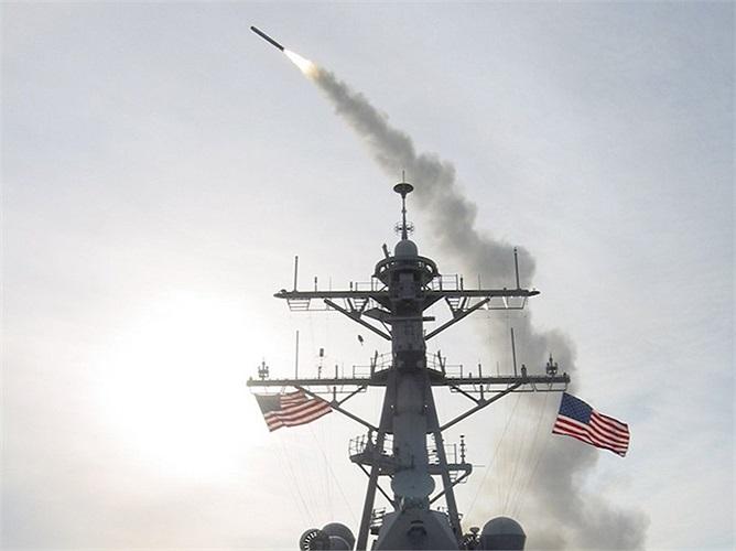 Các hệ thống dẫn đường trên tàu sẽ giúp Tomahawk nâng cao độ chính xác của nó khi tấn công mục tiêu