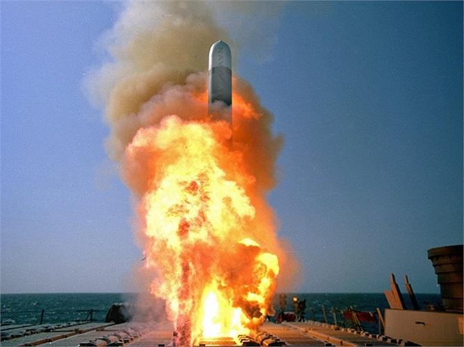 Đa số các chiến hạm, khu trục của Hải quân Mỹ đều được trang bị khoảng 90 tên lửa  Tomahawk
