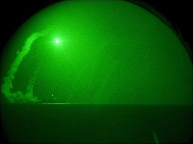 Với 5 tàu khu trục tên lửa đang áp sát bờ biển Syria, Tổng thống Obama sẽ có thể dùng 450 quả tên Tomahawk để tấn công Syria