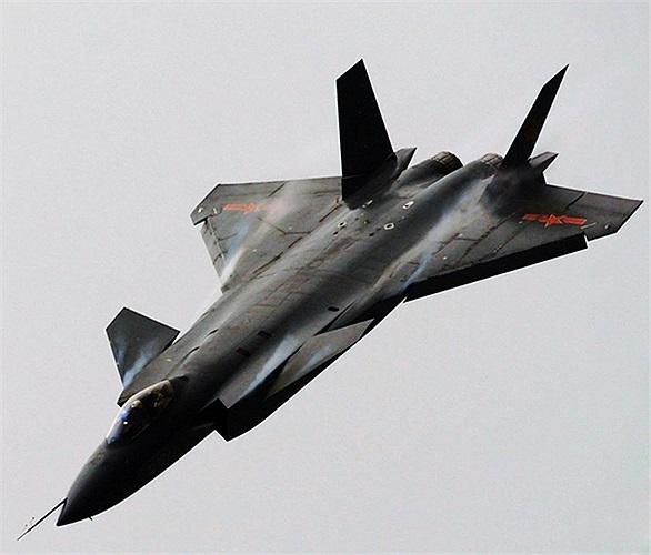Chiến cơ thế hệ 5 đầu tiên của Trung Quốc J-20, trông như một phi thuyền vũ trụ