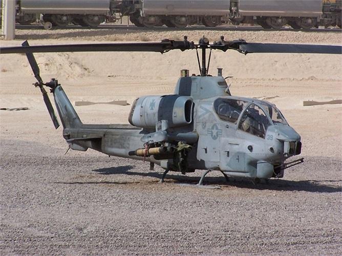 Trực thăng vũ trang Cobra của Mỹ, tốc độ, hỏa lực trang bị 'đến tận răng' và sự chính xác chết người