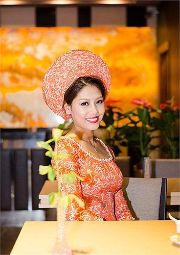 Hỏi Nguyễn Thị Loan về chuyện riêng, cô cũng nói chưa tính đến hôn nhân vì còn muốn phát triển sự nghiệp.