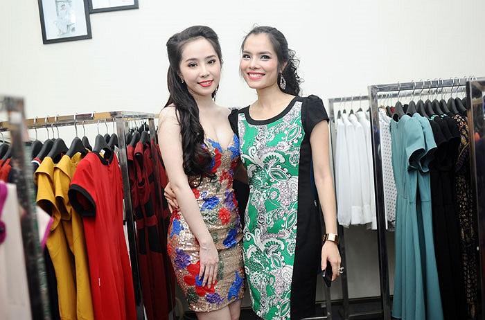 Người đẹp chụp hình chung với diễn viên Kiều Thanh. Đã rất lâu rồi, Kiều Thanh mới xuất hiện trở lại.