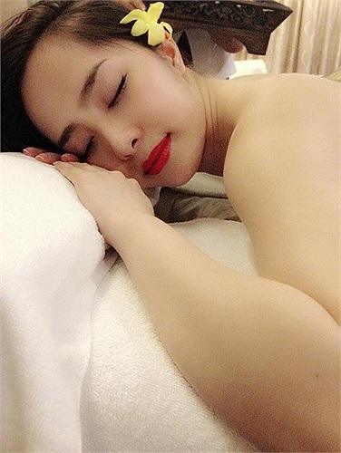 Quỳnh Nga: ngủ cũng phải đẹp.