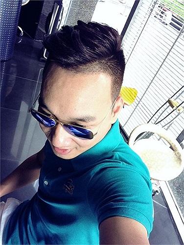 MC Thành Trung trở lại sau khi phẫu thuật chân.