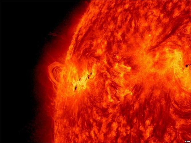Đài quan sát mặt trời của NASA chụp được hình ảnh của lớp bùng phát năng lượng mặt trời ngày 14 tháng 5, 2013