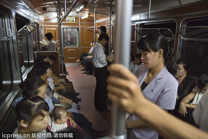Đường tàu điện ngầm sâu nhất thế giới của Triều Tiên