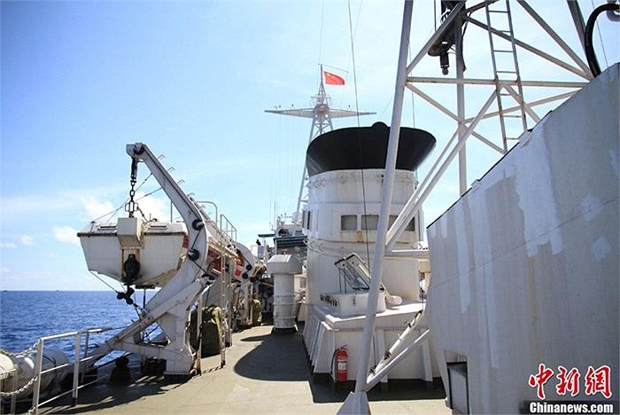 Hôm 18/5 vừa qua, tàu Ngư chính 311 đã ra Trường Sa canh cho 32 tàu cá Trung Quốc đánh bắt trái phép