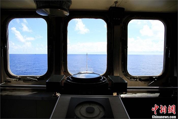 Khoang lái bên trong tàu Ngư chính 311