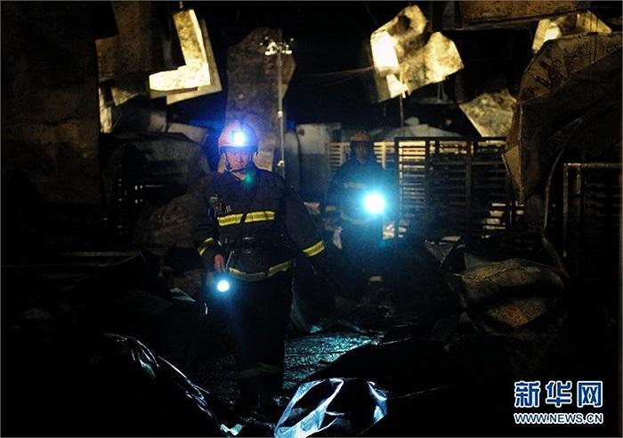 Hiện công tác cứu hộ đang tìm kiếm các nạn nhân mất tích trong các đống đổ nát