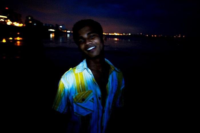 Một ngư dân ở làng ven biển Mumbai
