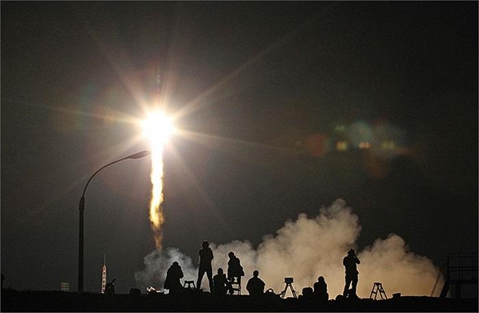 Tên lửa Soyuz-FG bay lên từ Trung tâm vũ trụ Cosmodrome Baikonur ở Kazakhstan