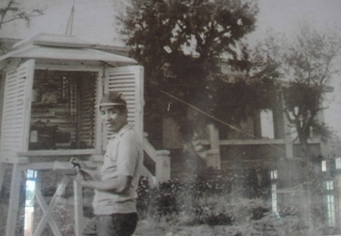 Cán bộ khí tượng Nguyễn Giao làm việc trên Hoàng Sa trước năm 1974