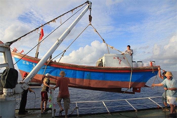 Đội tàu cá Trung Quốc đã tới vùng biển Trường Sa của Việt Nam vào lúc 16h45 ngày 13/5 (giờ địa phương)