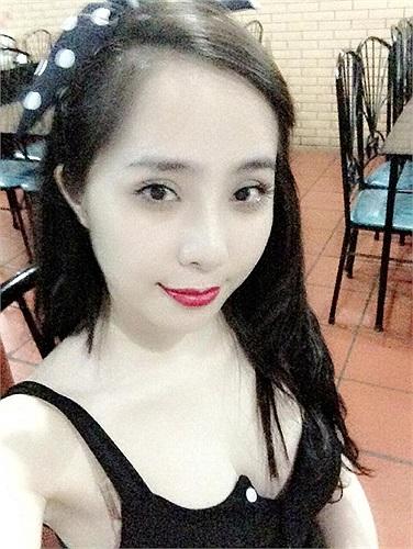 Quỳnh Nga khoe da trắng bóc không thua gì Ngọc Trinh.