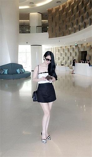 Thái Hà xinh đẹp và gợi cảm.