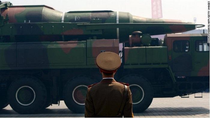 Khí tài quân sự của Triều Tiên trong lễ duyệt binh tháng 4/2012