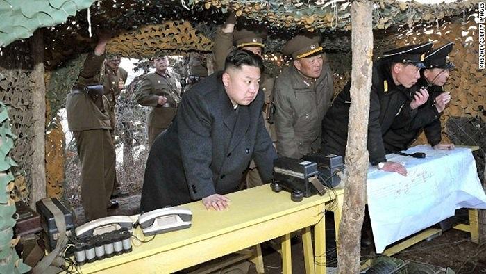 Ông Kim Jong-un chỉ đạo một cuộc tập trận của binh lính Triều Tiên