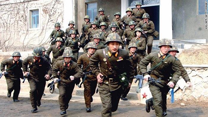 Binh sĩ quân đội Triều Tiên tập trận ngày 6/3