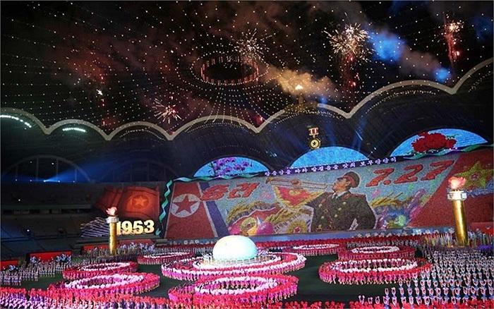 Màn đồng diễn Arirang với sự tham gia của 120.000 người được tổ chức hôm qua tại một sân vận động ở thủ đô Bình Nhưỡng