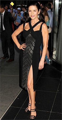 Catherine Zeta-Jones tham dự lễ giới thiệu bộ phim 'Red 2' ở New York