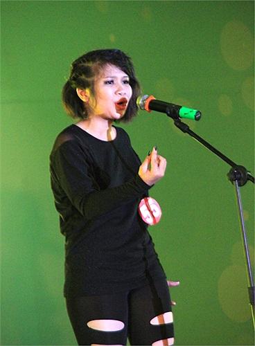 Một màn trình diễn rock Forever and one dưới sự thể hiện của Châu đã làm sân khấu như rung chuyển