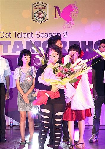 Dương Minh Châu hạnh phúc nhận giải nhất của cuộc thi