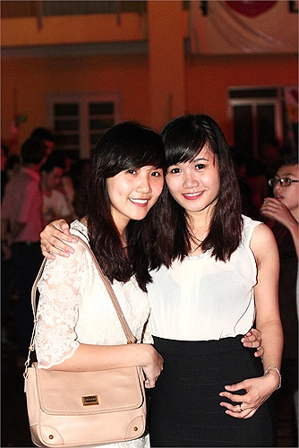 Trường THPT Lomonoxop nổi tiếng với nhiều nữ sinh xinh đẹp, tài năng