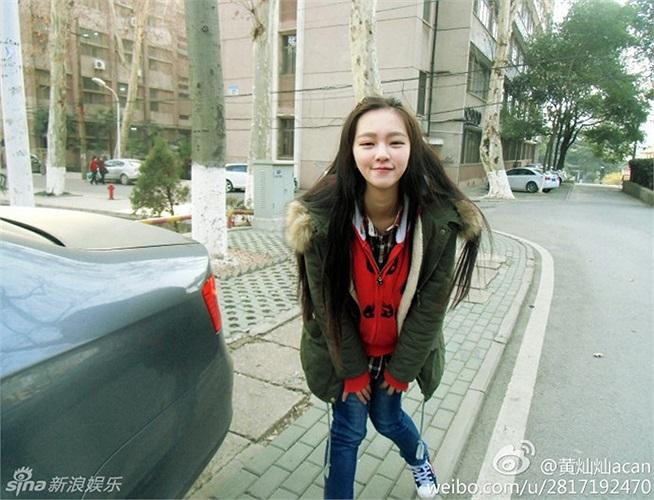Vẻ đẹp của cô khiến cư dân mạng Trung Quốc chao đảo