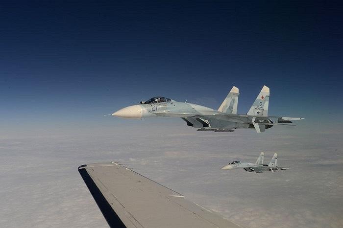 Chiến cơ Su-27 của Không quân Nga trong cuộc tập trận Vigilant Eagle 13
