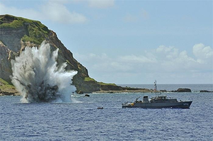 Lực lượng tự vệ biển của Nhật Bản tổ chức tập trận rà phá mìn, ngư lôi