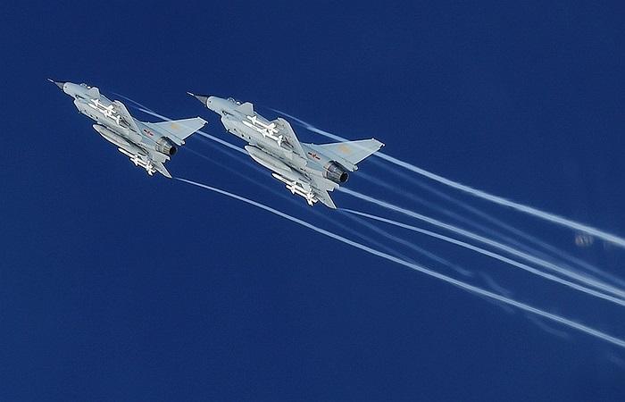 Hai máy bay chiến đấu J-10 của Không quân Trung Quốc