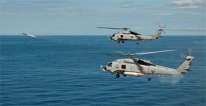Tên lửa Hellfire được bắn ra từ các trực thăng MH-60R Sea Hawk thuộc đội hình của tàu sân bay USS Nimitz, Hải quân Mỹ
