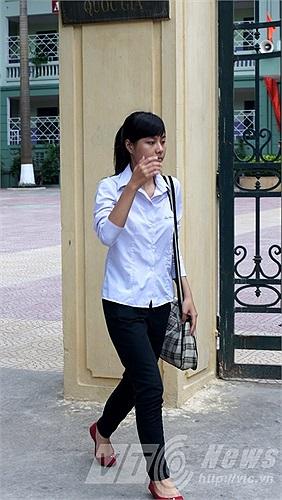 Thí sinh ra sớm tại hội đồng thi trường TPHT Nguyễn Bỉnh Khiêm (Cầu Giấy, Hà Nội).