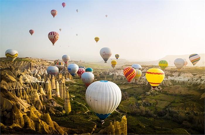 Những quả khí cầu tuyệt đẹp trong nắng mai ở Cappadocia, Thổ Nhĩ Kỳ