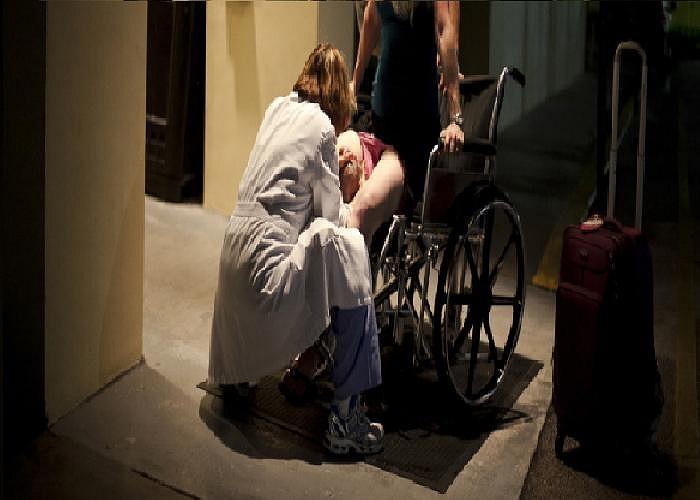 Do sự việc diễn ra quá nhanh, nên cô Cavaretta buộc phải sinh con trên xe lăn ngay trước cổng vào bệnh viện.