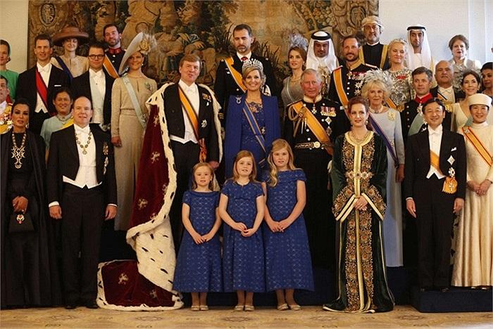 Hoàng gia Hà Lan chụp ảnh lưu niệm