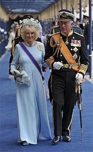 Hoàng tử xứ Wales và nữ công tước xứ Cornwall của nước Anh là khách mời danh dự trong lễ đăng quang của nhà vua Willem-Alexander