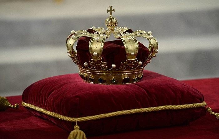 Vương miện hoàng gia Hà Lan đặt tại nhà thờ Nieuwe Kerk ở Amsterdam