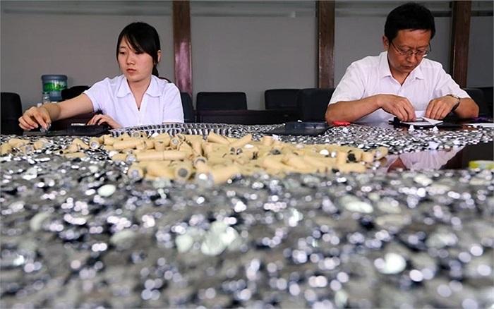 Số tiền 68.000 nhân dân tệ tương đương 400kg tiền xu được một nhà hàng ở Trung Quốc bồi thường cho khách hàng