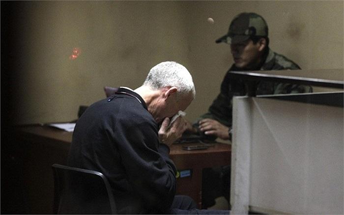 William Reid,, cha đẻ của 1 trong 2 cô gái buôn lậu 12kg ma túy trong trụ sở của đơn vị chống ma túy của cảnh sát quốc gia ở Lima, Peru