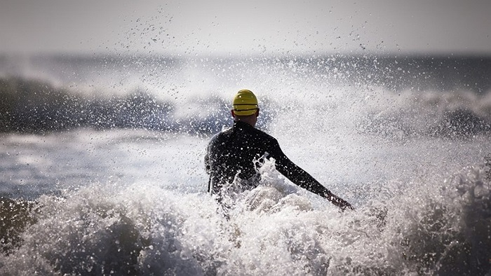 Sau đó là những bài tập trên biển, nơi sóng dữ hơn rất nhiều so với bể bơi