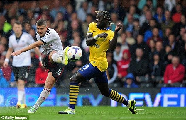 Trong khi đó, chủ nhà Fulham có phần thi đấu non nóng sau khi bị dẫn bàn.