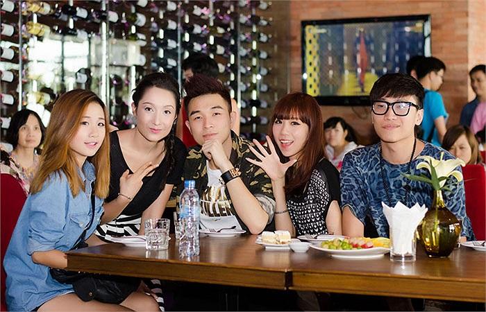 Anna Trương và bạn bè, nhóm nhảy ST319