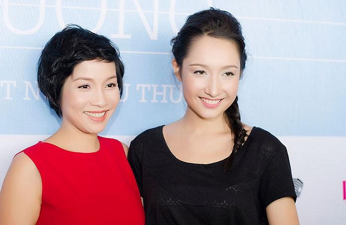 Mỹ Linh thì vội vàng bay từ TP.HCM ra để mừng cho con gái. Chị nói, Anna là học trò đầu tiên của mình.